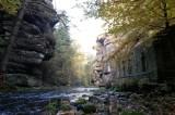 Schöne Felswände entlang der Wesenitz direkt am Malerweges des Liebethaler Grundes